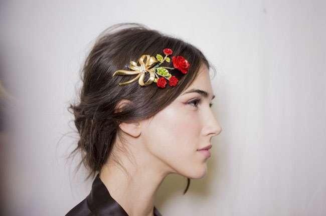 Accessori per capelli  cosa dicono le sfilate per questo autunno ... e3a3b62c747