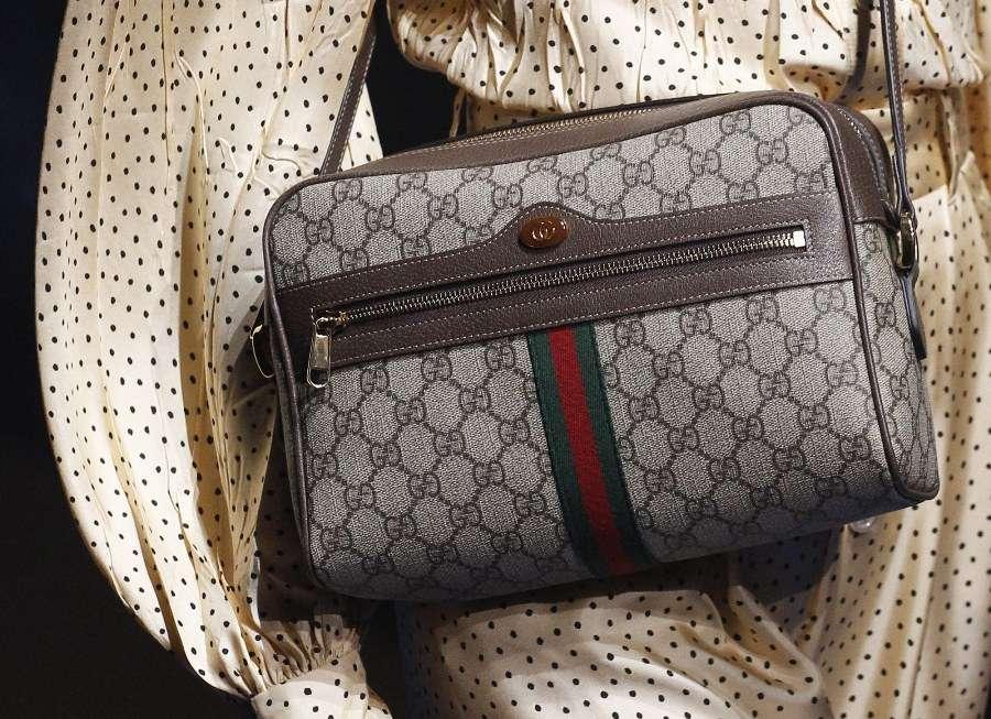 Le nuove borse vintage può sembrare un ossimoro e invece no  la collezione  Cruise 2018 di Gucci 18778960c439